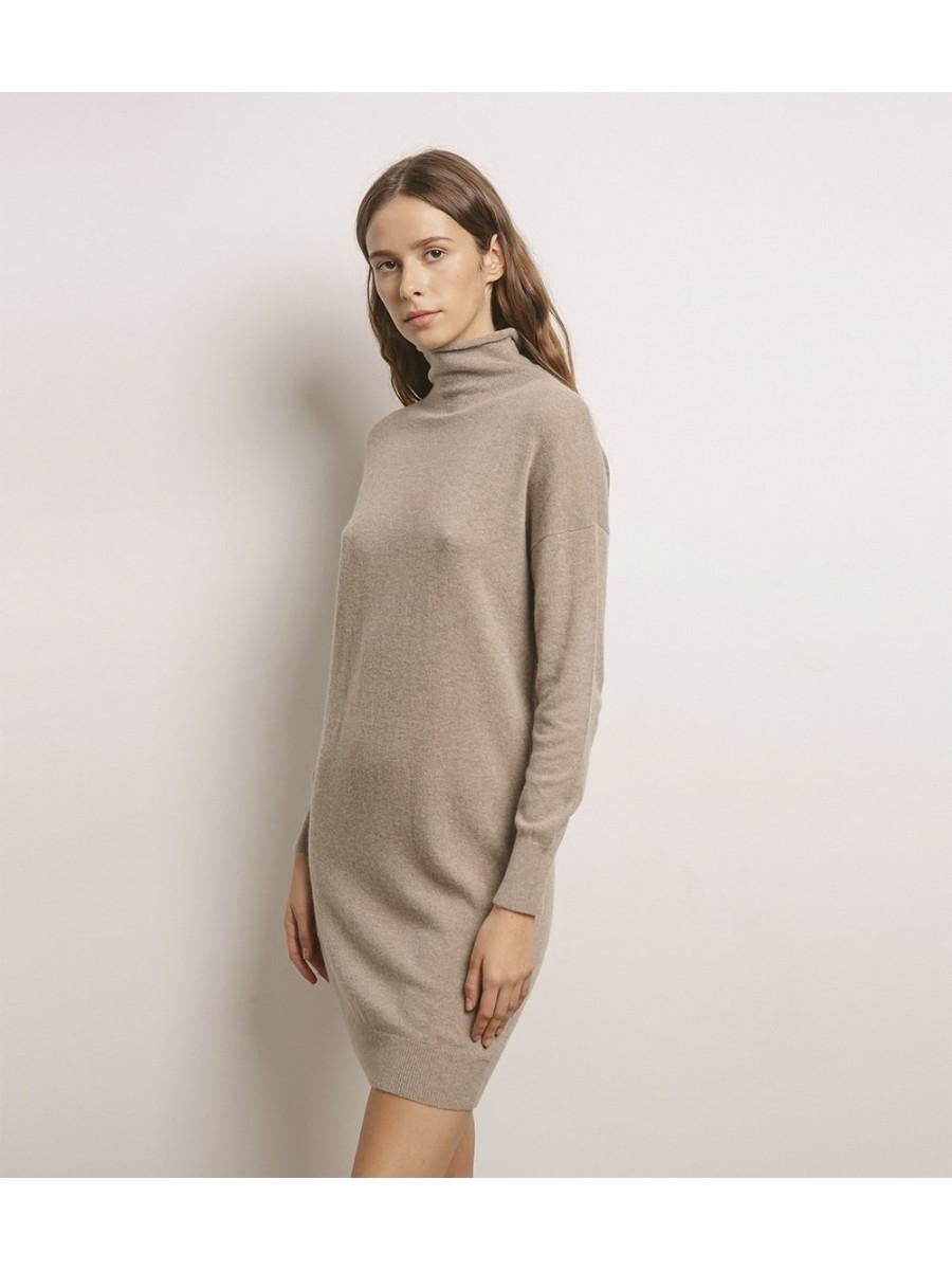 Платье кашемировое с хомутом; тауп