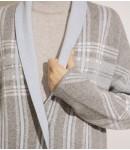 Пальто с кашемиром в клетку; с серым