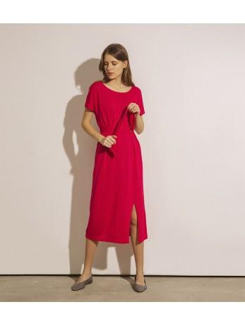 Платье под пояс с разрезом; фуксия