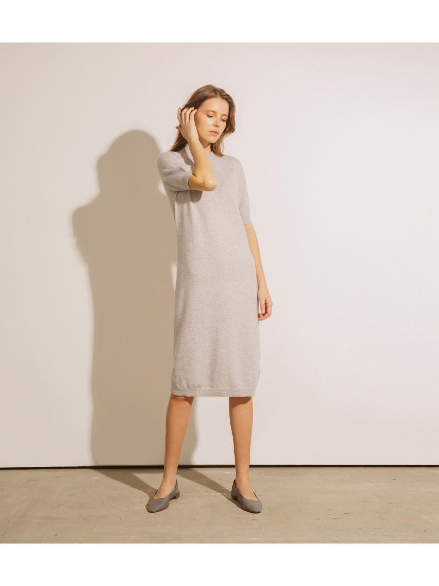 Платье кашемировое с коротким рукавом; светло-серый